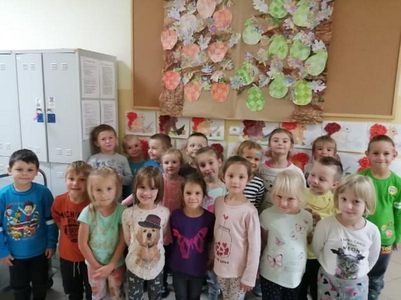 Przedszkolna Grupa Odkrywcy, zespół dzieci 5-letnich.